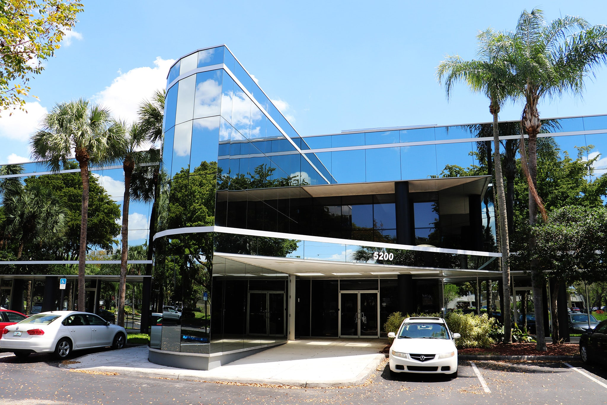 YMP Acquires Lakeshore Business Center in Fort Lauderdale
